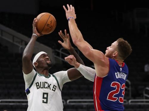 Milwaukee Bucks 130, Detroit Pistons 115: Best photos from rematch