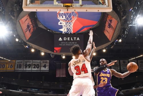 Recap: Anthony Davis Sits, Lakers Grind Out Win Against Bulls