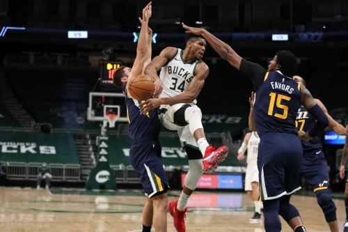 Live coverage: Bucks vs. Cavaliers