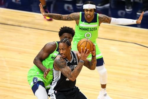 DeMar DeRozan powers the Spurs over the Timberwolves