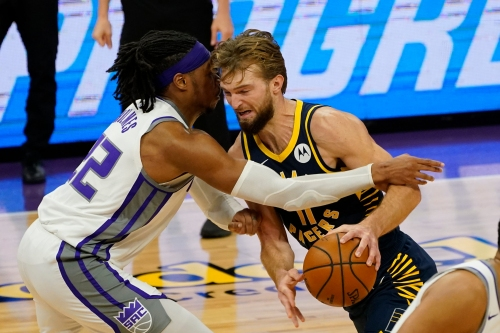 Defense fails Indiana Pacers, open 5-game trip with loss to Sacramento Kings