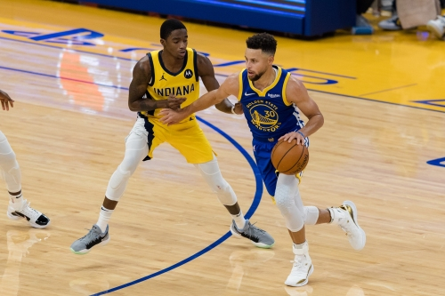 Insider: How guards Aaron Holiday, Edmond Sumner led Pacers to victory over Stephen Curry