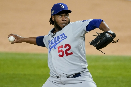 Free agent reliever Pedro Baez agrees to two-year deal with Astros