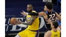 Lakers thump Thunder to stay unbeaten on the road