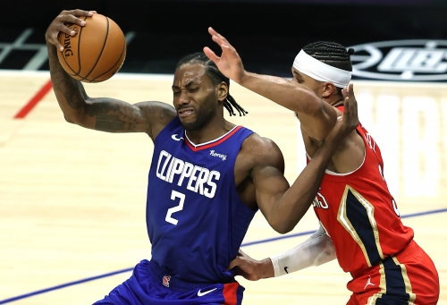 Clippers shoot their way past short-handed Pelicans