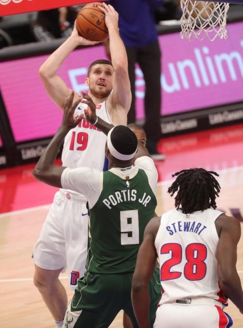Detroit Pistons' Svi Mykhailiuk shows he has more tricks in his bag