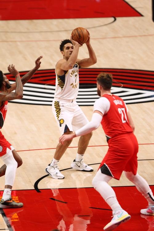 Indiana Pacers end 14-year losing streak in Portland