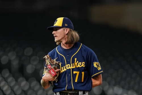 Milwaukee Brewers agree to 1-year contracts with Josh Hader and Brandon Woodruff, avoiding arbitration