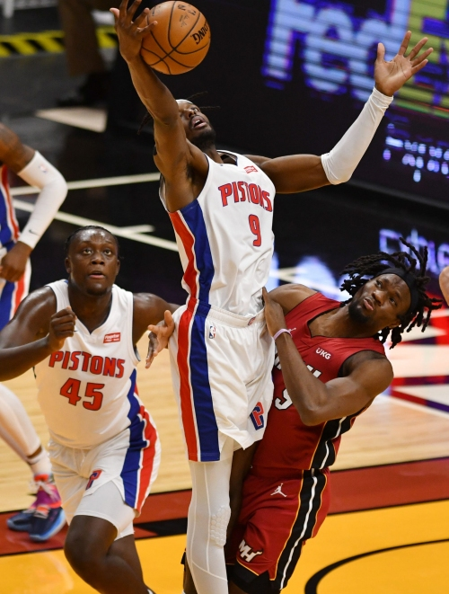 Jerami Grant leads Detroit Pistons to blowout road win over the Miami Heat, 120-100