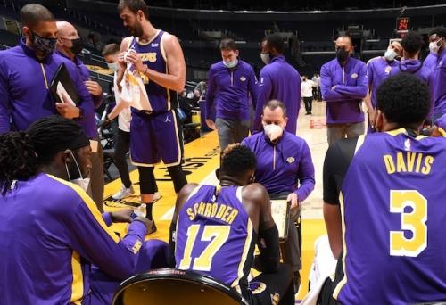 Frank Vogel Waiting To Make Adjustments To Lakers' Defense