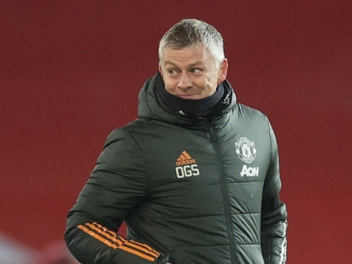 Premier League roundup: Manchester United stay top while Manchester City move into second