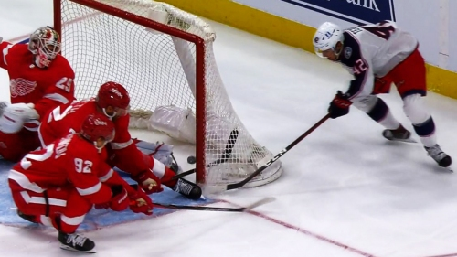 Texier shows off blazing speed with wraparound goal against Red Wings