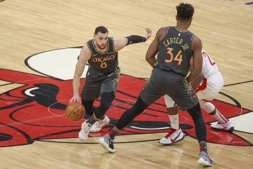 Bulls use all-around scoring effort in 125-120 win over Rockets