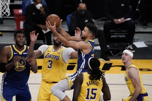Warriors knock off uninspired Lakers, who blow 19-point lead