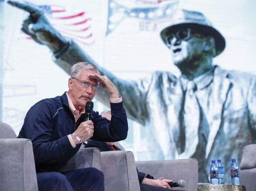 Column: Chicago Bears Chairman George McCaskey deserves credit for answering his hate mail — even if he isn't really listening to fans' advice