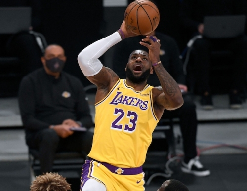 LeBron James Says Lakers Couldn't Get 'Back Into A Rhythm' Against Warriors