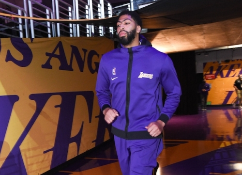 Lakers News: Anthony Davis Ready To Play Some Center Despite Short Offseason