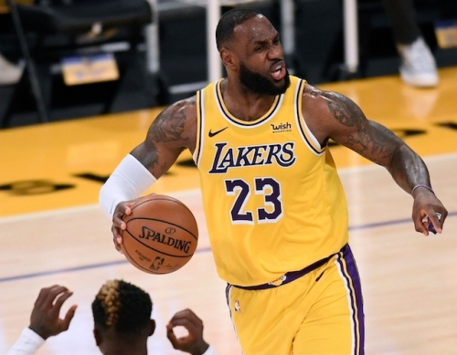 Lakers News: LeBron James Confused By Travel Calls, Wants Consistency