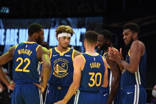 Warriors tweak rotations against Lakers, so what can we learn?