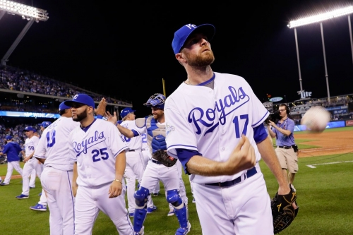 Royals sign Wade Davis to minor league contract