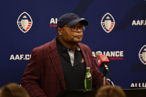 Bears interview Hall of Fame LB Mike Singletary for defensive coordinator opening