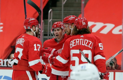 How Detroit Red Wings will stay busy on lonely road trips during COVID-19 pandemic