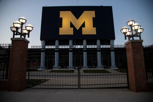 All University of Michigan athletics on 2-week pause after outbreak of COVID-19 variant