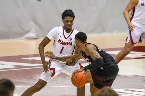 Shorthanded Tide Improves To 8-0 In SEC