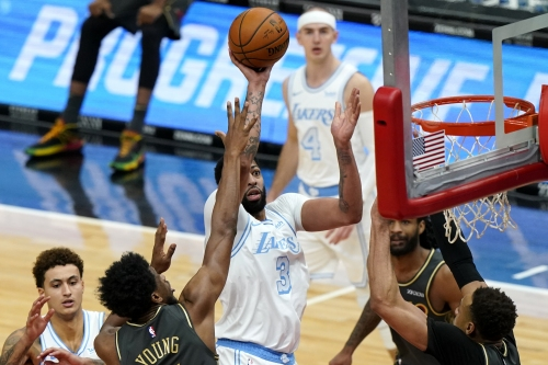 Lakers brush off Bulls as Anthony Davis racks up season-high 37 points
