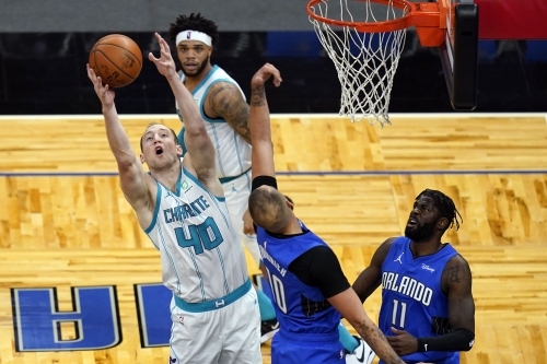Magic surrender lead, fall to Hornets on last-second layup
