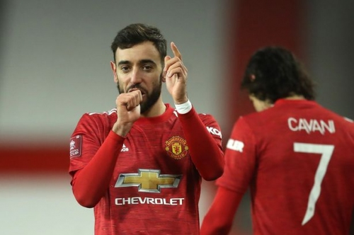 Bruno Fernandes stars for Manchester United as Alan Shearer has Luke Shaw theory