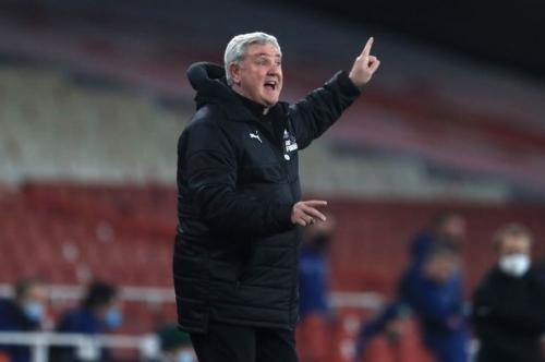 Cascarino delivers Steve Bruce verdict as Newcastle lose to Villa