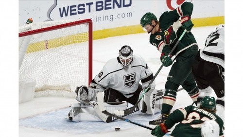Cal Peterson makes 32 saves as Kings edge Wild