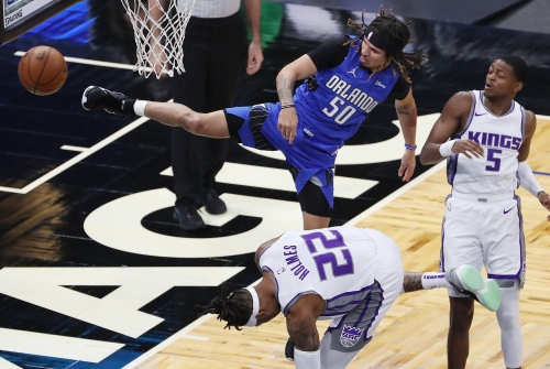 Magic struggle to stop Buddy Hield, fall to Kings at Amway Center