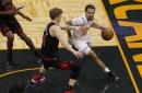 Lauri Markkanen leaves Bulls' 123-119 loss to Magic with shoulder injury