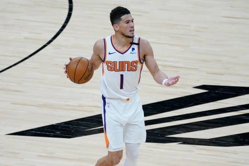 Devin Booker leads short-handed Phoenix Suns to narrow win over Cleveland Cavaliers