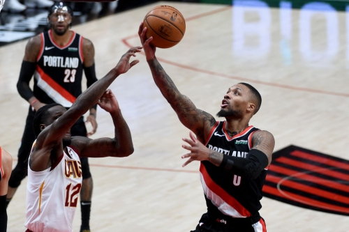 Blazers Rout Cavaliers for 15th Win