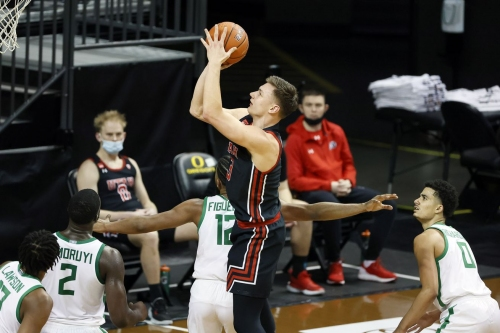 Utes fall just short to Oregon 67-64