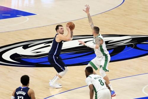Fourth quarter defense fails again in Celtics loss to Mavericks
