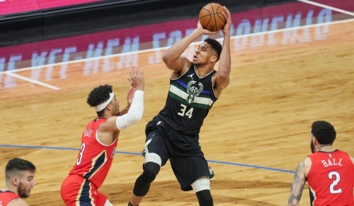 Images from the Bucks' 129-125 victory over the Pelicans