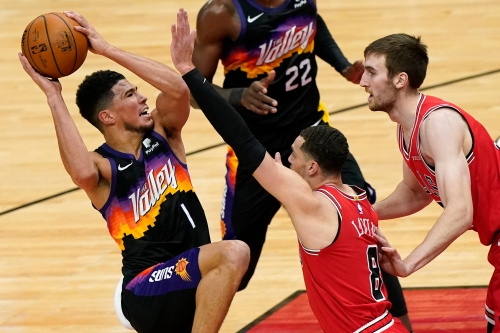 Phoenix Suns surge late in pushing past Chicago Bulls