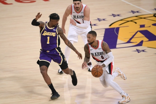 Blitzing Defense Disarms Blazers' High-Scoring Offense in Loss to Lakers