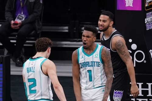 Recap: Malik Monk's last second and-1 pushes Hornets past the collapsing Kings, 127-126