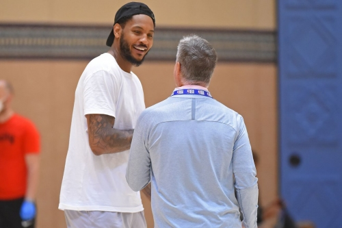 Melo Delivers the Details on Generic Room Service Menus