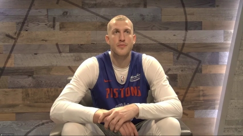 Detroit Pistons' Mason Plumlee explains what he sees from Saben Lee