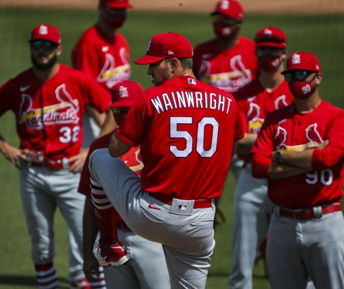 Never gets old: Wainwright breezes through spring start, spins curve, mentors peers, remains Cardinals 'rock'