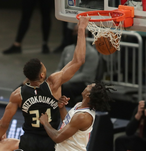 Point Forward Podcast: Jrue Holiday returns and will the Bucks retire anyone's jersey before Giannis?