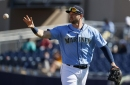 Mariners get early start on Father's Day, keep collecting ties in Spring Training