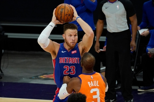 Blake Griffin, Detroit Pistons agree to buyout, source says