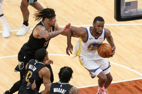 Shorthanded Warriors put on a show, dominate Grizzlies